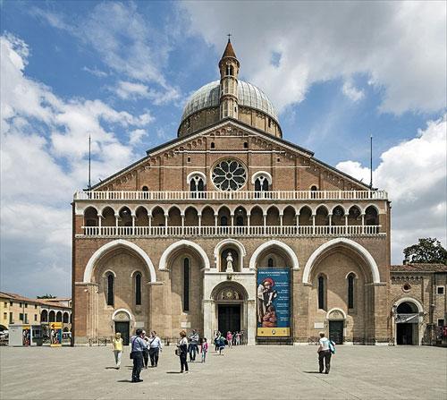 サンタントニオ聖堂(サン・アントニオ聖堂)/Basilica di Sant'Antonio