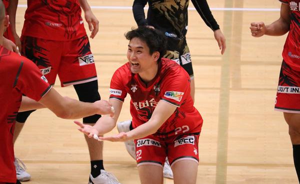 高梨健太選手,Vリーグ男子バレー,ウルフドッグス名古屋